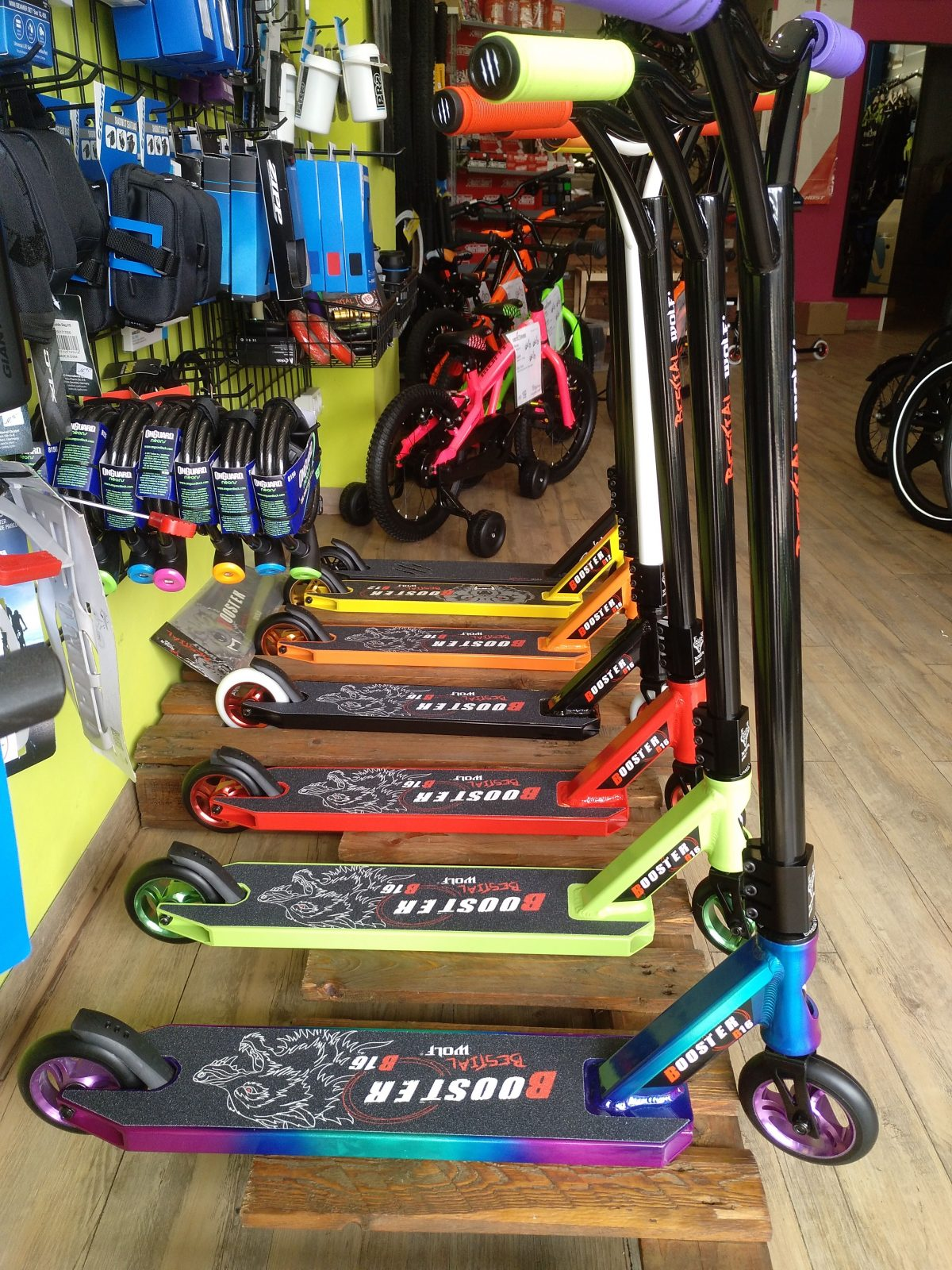 Nuevos Bestial Wolf Booster B16